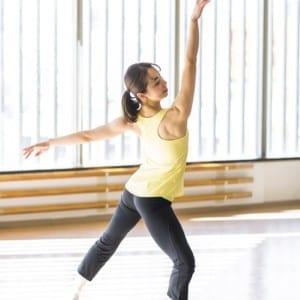 """自宅で簡単!美しい背中を作るための""""姿勢筋""""を鍛えるトレーニング【肩甲骨・お腹編】"""