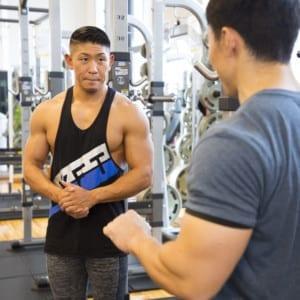 鈴木雅×寺島遼トレーニングセッション「肩の高さを出すために」