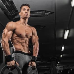 肩幅を広くみせるためのトレーニング