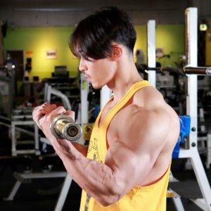 かっこよすぎるボディビルダー・嶋田慶太が上腕二頭筋の弱点を克服した種目