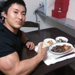 【増量筋肉飯】身体を大きくするなら肉よりご飯!ポテチはふりかけ!昔は白米を1日9合食べていた=鈴木雅