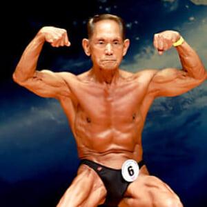最高齢チャンピオン!85歳の現役ボディビルダーが語る人生100年時代における目標とは?【マッスル】
