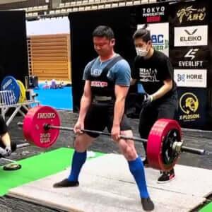 「背筋力がゴリラだね」と家族から言われるデッドリフト250kgのパワーリフター